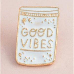 4/$20 Good Vibes and Stars Pin ✨